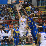Marcus Douthit vs Kevin Alas