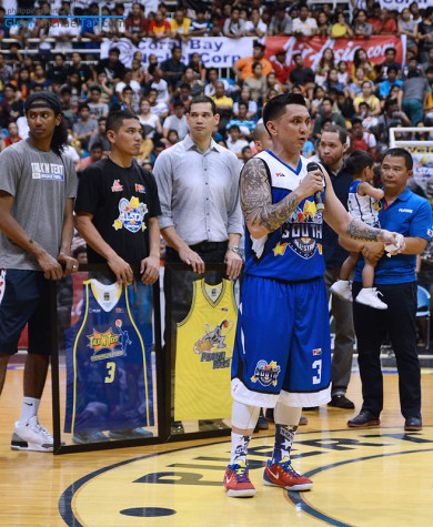 jimmy-alapag-jersey-retirement