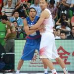 Gabe Norwood vs Yi Jianlian